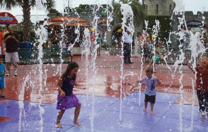 Interactive Fountain water fun at Broadway at the Beach
